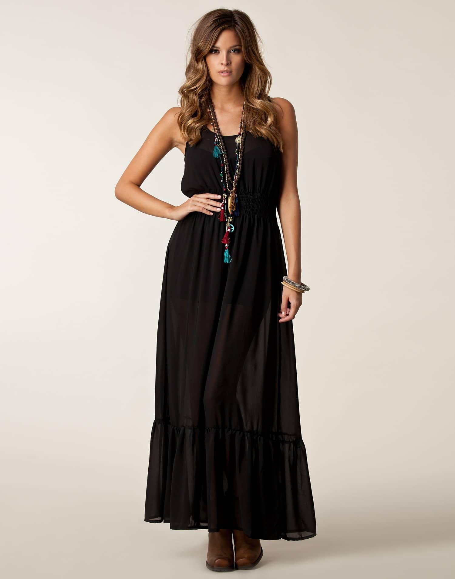 doğal siyah elbise modelleri