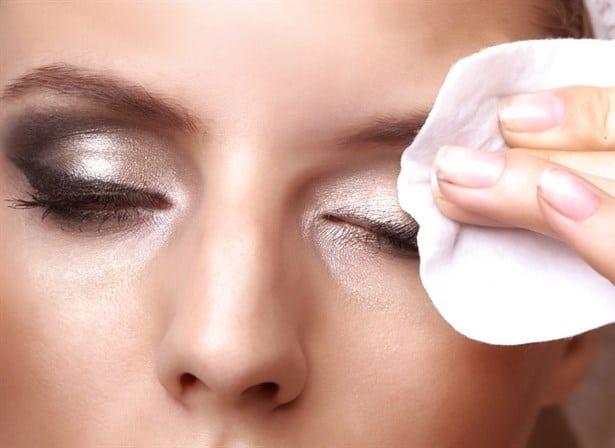 göz makyajı temizleme