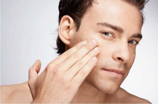 erkek için yüz bakımı