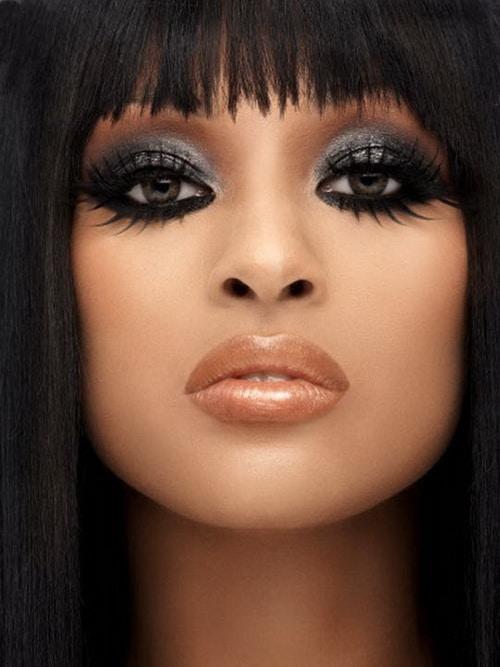 siyah makyaj için eyeliner