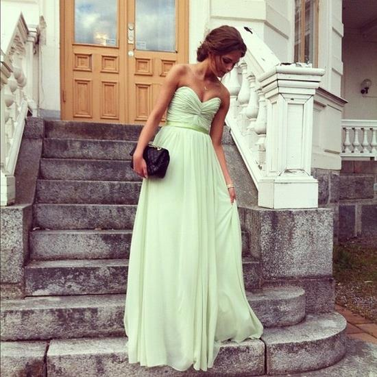düğün için elbise seçimi yeşil