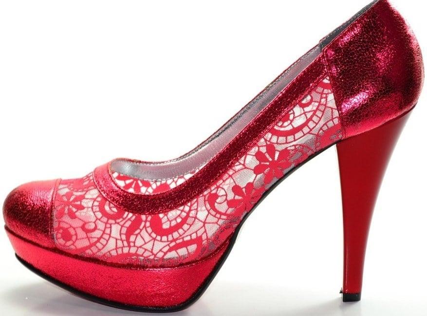 kına için ayakkabılar nasıldır