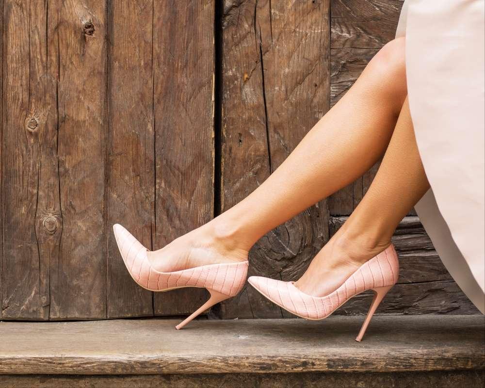 Uzun Gösteren ayakkabılar