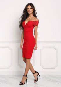 Kırmızı elbiseye hangi renk ayakkabı olur