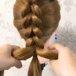 Okul için kolay örgü saç modeli