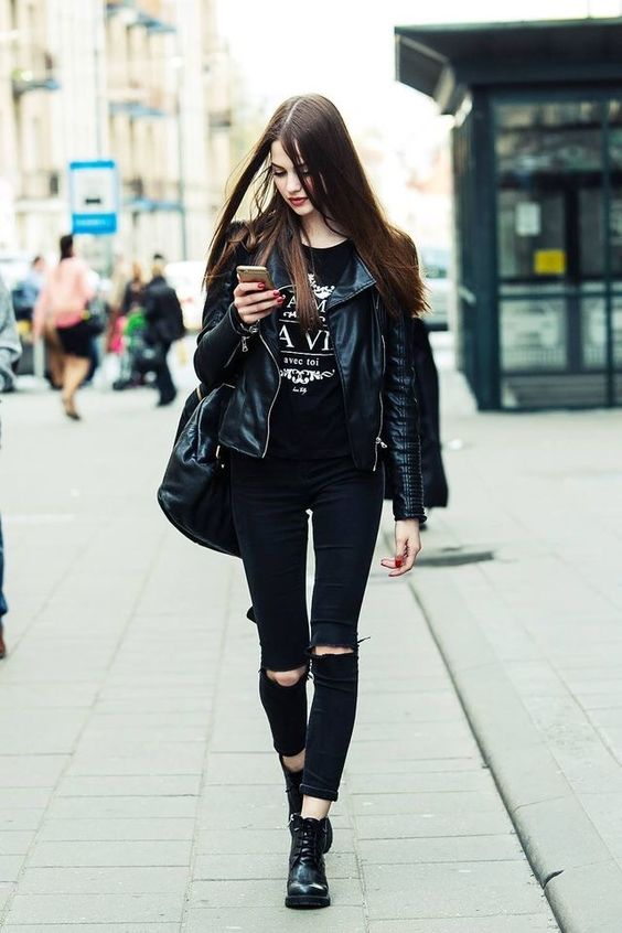 Siyah yırtık kot pantolon üstüne ne giyilir