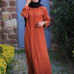 Kiremit rengi düğmeli spor elbise modeli