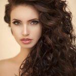 Kıvırcık açık saç modelleri