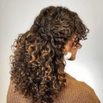doğal kıvırcık kıvırcık saç toplama modelleri