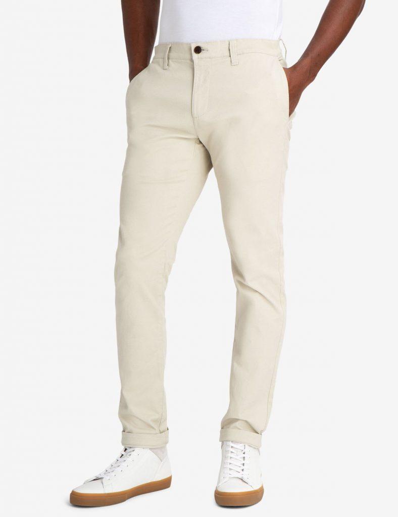 Krem-rengi-pantolon-alt%C4%B1na-ayakkab%C4%B1-788x1024.jpg