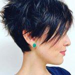 kısa katlı küt saç kesim modelleri