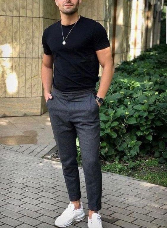 Siyah kumaş pantolon altına ayakkabı