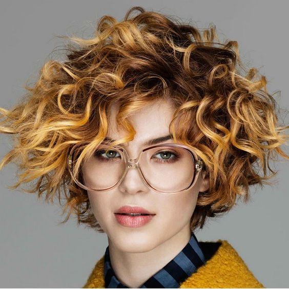 Kısa saç modelleri dalgalı