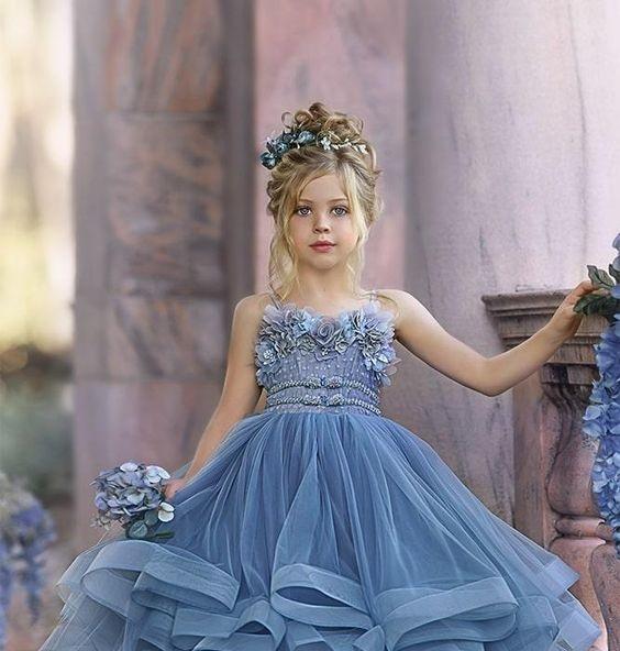 Çocuk düğün saç modelleri