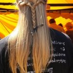 Erkek uzun saç örgü,