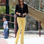 Sarı ispanyol paça pantolon kombinleri