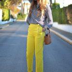 Sarı kumaş pantolon kombinleri