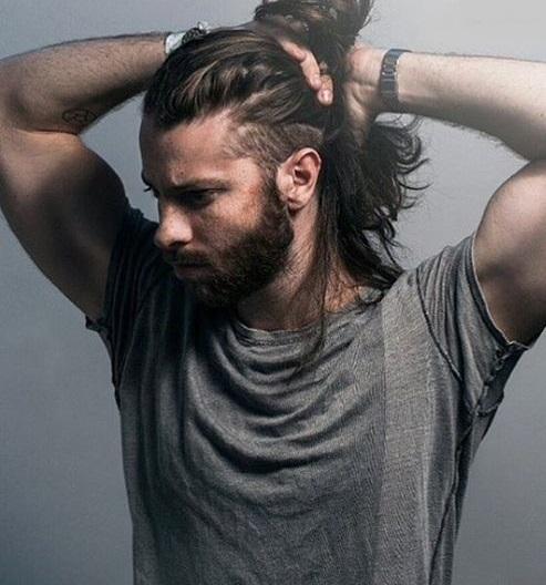 Kilolu erkek uzun saç modelleri